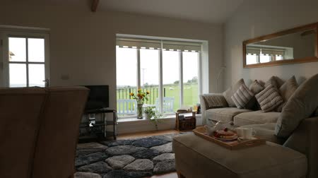 явление : A shot of a domestic living room interior in northeastern England. Стоковые видеозаписи