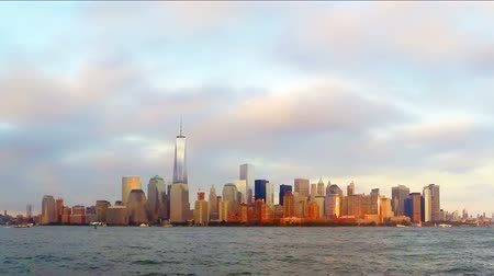 hochhäuser : One World Trade Center und Lower Manhattan Skyline bei Sonnenuntergang, Timelapse, New York