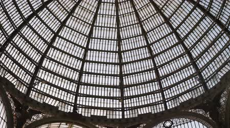 alışveriş : Vertical Pan of the Glass Dome and Interior of the Gallery Umberto I, a Beautiful Historic Public Shopping Mall in Naples, Italy, Europe