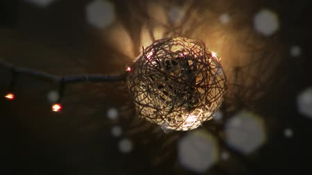 invenção : Christmas ball with effects of light turns on and off