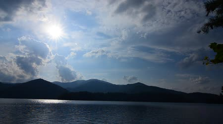 füstös : lake santeetlah in great smoky mountains in summer