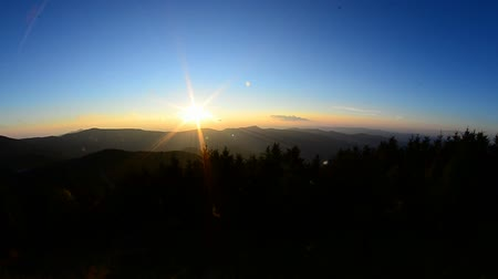 дымный : blue ridge mountains sunrise in the morning