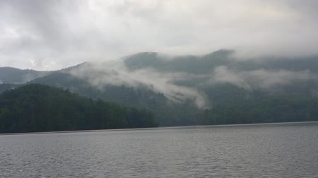 füstös : lake santeetlah in the great smoky mountains