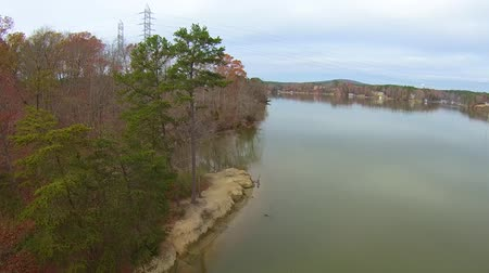 реальное время : aerial landscape view over lake wylie in south carolina