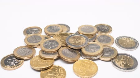 empilhamento : Euro Coins grows on white background and shows business, saving, growth, economic concept.