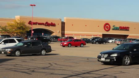 Shopper entering and leaving a Target Superstore Wideo