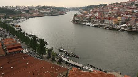 portugalsko : Top View of Douro river at center of Porto, Portugal.