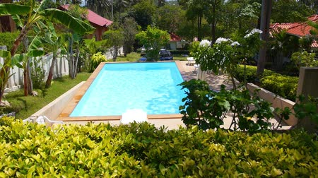 privato : Panorama di bella estate. Outdoor Azure piscina a Tropical Island. Thailandia. Koh Samui. Slow Motion.