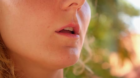 papieros : Closeup of Young Woman Smoking. Smoke Addiction. Bad Habbit. HD, 1920x1080. Wideo