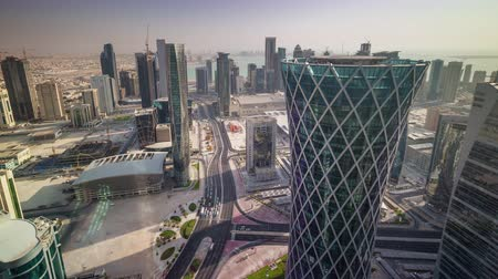 Doha skyline downtown skycreapers timelapse video van rooftop Qatar, Midden-Oosten