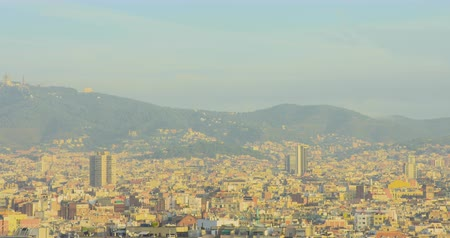 BARCELONA, CATALONIA - JULY 15th 2017: View of Barcelona from above hill. Summer sunny day Стоковые видеозаписи