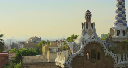 каталонский : BARCELONA, CATALONIA - JULY 26th 2017: View of Guell park Barcelona city colorful sunny day Стоковые видеозаписи