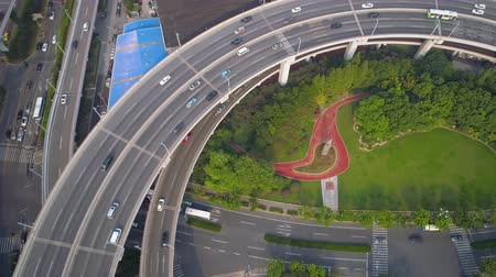 上海 : SHANGHAI, CHINA - MAY 5, 2017: Aerial view of Nanpu bridge highway junction, modern architecture