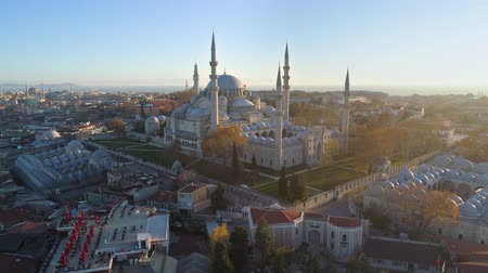 cami : The Blue Mosque Sultanahmet in Istanbul, Turkie. Aerial drone view Shot. Blue sky, sunset.