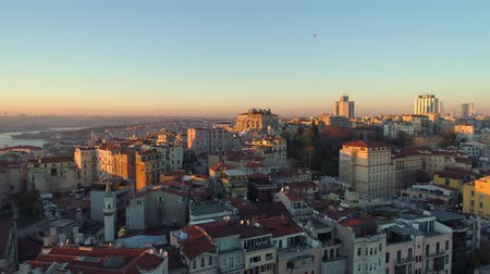 chifre : Aerial drone shot of sunset in Istanbul, Turkie. From above, city centre, downtown. Bosphorus