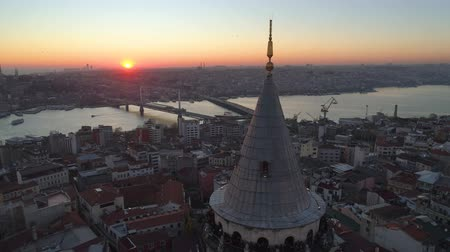 istanboel : Galata tower in Istanbul, Turkie. Aerial drone shot from above, city centre, downtown. Sunset.