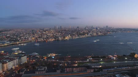 isztambul : Aerial drone shot of sunrise in Istanbul, Turkie. From above, city centre, downtown. Bosphorus.