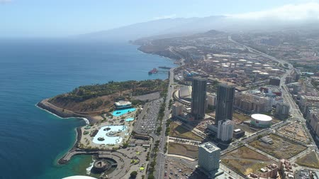 kanarya : SANTA CRUZ DE TENERIFE, SPAIN - MAY, 18, 2018 Aerial view of a port