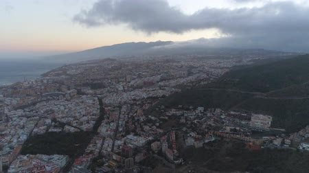 kanarya adaları : Aerial view of a city centre. Stok Video
