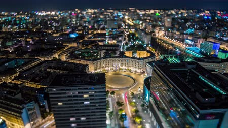 arco : PARIS, FRANCE - JUNE 19, 2018: Timelapse of a city from above at night. Fast movement. Archivo de Video