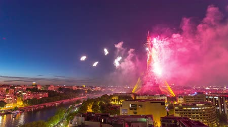 eifel : PARIS, FRANCE - JUNE 19, 2018: Eiffel Tower firework night timelapse at Bastille Day. Fast movement Stock Footage