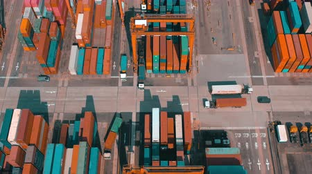 recipiente : HONG KONG - MAY 1, 2018: Aerial view of a modern port container terminal. Import and export, business logistic.