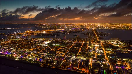 Майами : Aerial drone panorama view flight over Miami. Sunset above South Beach and Mid-Beach