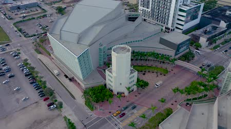 drone miami : MIAMI, FLORIDA, USA - MAY 2019: Aerial drone panorama view flight over Miami downtown. Knight Concert Hall from above. Stock Footage
