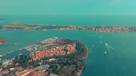 marco : VENICE, ITALY - JUNE, 2019: Aerial drone panorama view of Venice beautiful architecture. Flight over canals and roofs. Filmati Stock