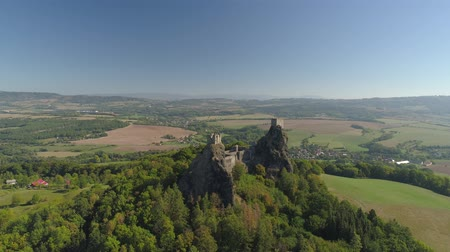 Богемия : Ruins of Gothic castle Trosky in National Park Czech Paradise. Aerial view to medieval monument in Czech Republic.