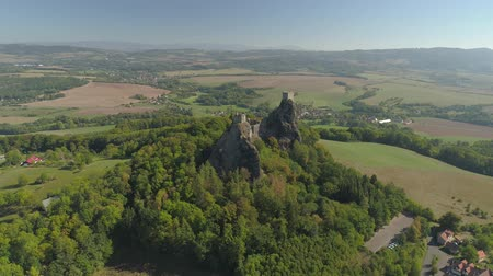 bohemio : Ruins of Gothic castle Trosky in National Park Czech Paradise. Aerial view to medieval monument in Czech Republic.