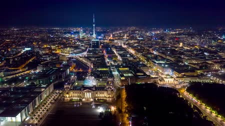 berlin skyline : BERLIN, GERMANY - MAY,2019: Aerial drone timelapse hyperlapse view of Berlin city centre from above at night. Stock Footage