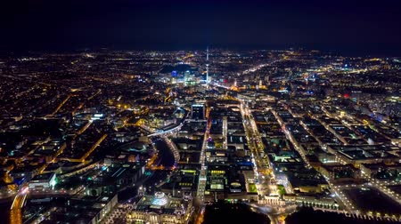 pitka : BERLIN, GERMANY - MAY,2019: Aerial drone timelapse hyperlapse view of Berlin city centre from above at night. Dostupné videozáznamy
