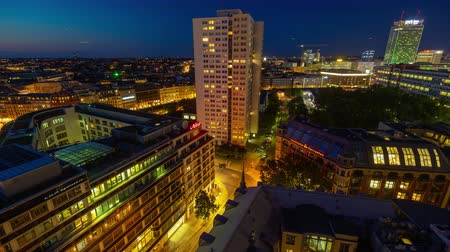 pitka : BERLIN, GERMANY - MAY,2019: Timelapse view of Berlin city centre from above, famous historical buildings at night Dostupné videozáznamy