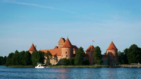 Литва : Trakai Island Castle in lake Galve, Lithuania