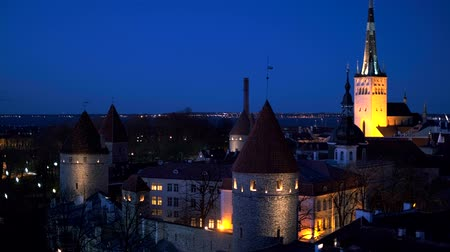 estonya : Aerial view of Tallinn Medieval Old Town, Estonia Stok Video
