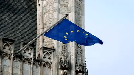 união europeia : European Union Flag on old building