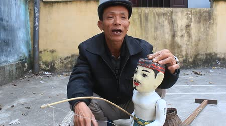 water puppet : HAI DUONG, VIETNAM, JANUARY 2: Artisans and water Mua Roi Nuoc in Vietnam on January, 2, 2015 in Hai Duong, Vietnam