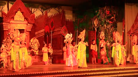 sziámi : Pattaya, Thailand, July, 14, 2015: Folk dance and traditional culture Performing artists