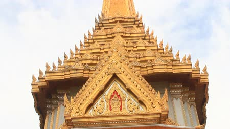 saray : Emerald Buddha temple in bangkok