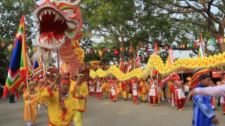 ano novo chinês : PHNOM PENH, CAMBODIA, September 18, 2016: Asian dragon dance at festival