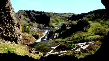 долина : Icelandic waterfalls and rivers