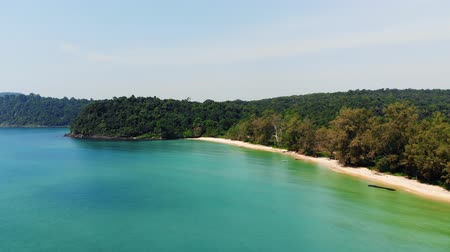 série : Long Beach on Koh Rong island in Cambodia, South-East Asia. top view, aerial view of beautiful tropical island