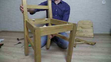vidalar : The process of furniture assembly