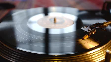 gravar : Dj Vinyl Record Spinning On Turntable