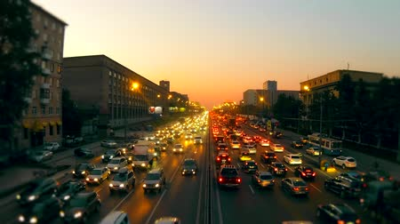 moskwa : Urban traffic in Moscow. Night Traffic Time Lapse. Wide time lapse shot of cars at night in urban landscape. day, evening, night