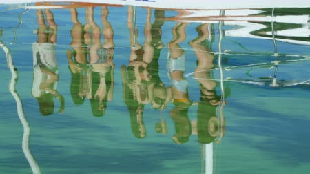 casar : beautiful girl dancing on a yacht in the reflection of water - Devishnik.