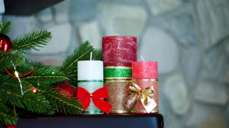 önemsiz şey : Christmas decoration, various toys, figurines, candles to create a festive Christmas atmosphere in the house