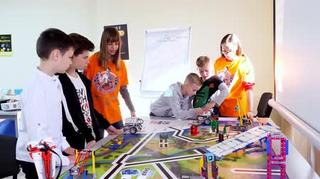 mobile game : educational lesson at school of Robotics, with machines created from a designer. STEM education