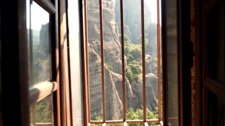 sinterklaas : view of the wonderful mountains of Meteora, Greece from the window of the monastery of St. Nicholas. Stockvideo